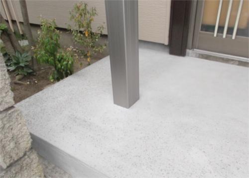 玄関前の柱:施工後