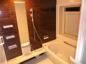 雰囲気を一新!浴室の入替えと脱衣所の改修リフォーム!