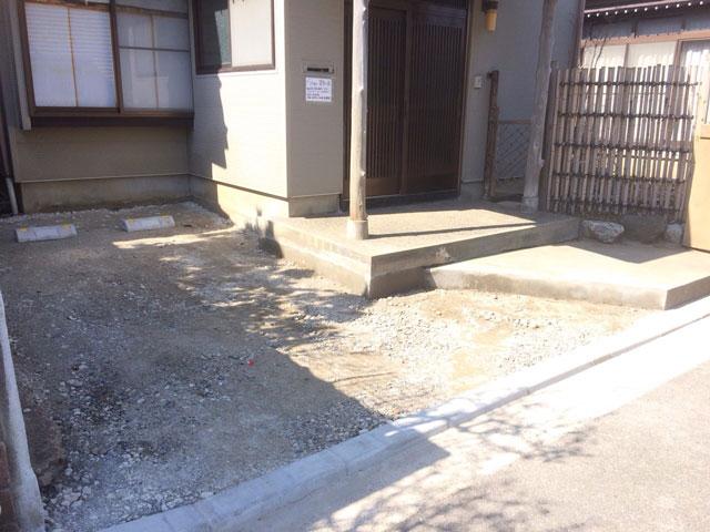 塀、植栽を撤去し駐車場新設!空家の活用方法が広がります。