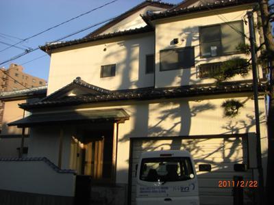 きれいに仕上がった外壁と屋根