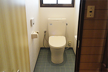 トイレ before