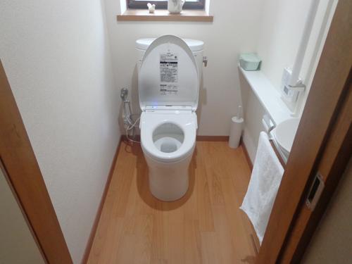 トイレの床材から内装工事まで、トータル的に改修しました!これで今後も快適に使って頂けます。