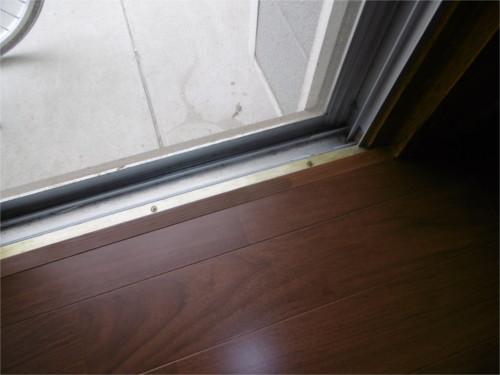 廊下、窓枠:施工後