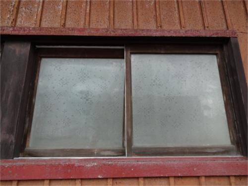 窓枠:施工前