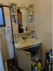 洗面台入替え:施工前