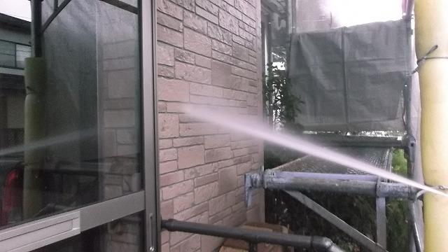 外壁洗浄:施工中