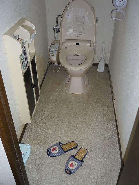 トイレ:施工前