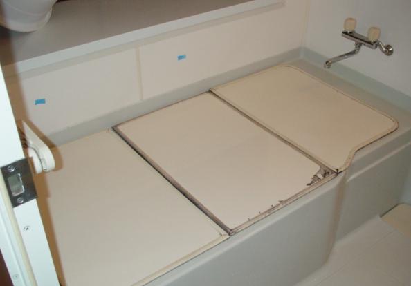 浴室手すり設置:施工前