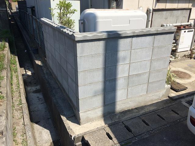 劣化が進んで、崩れそうだったブロック塀を綺麗に積み替え! 外構リフォームもDaikenにお任せください!