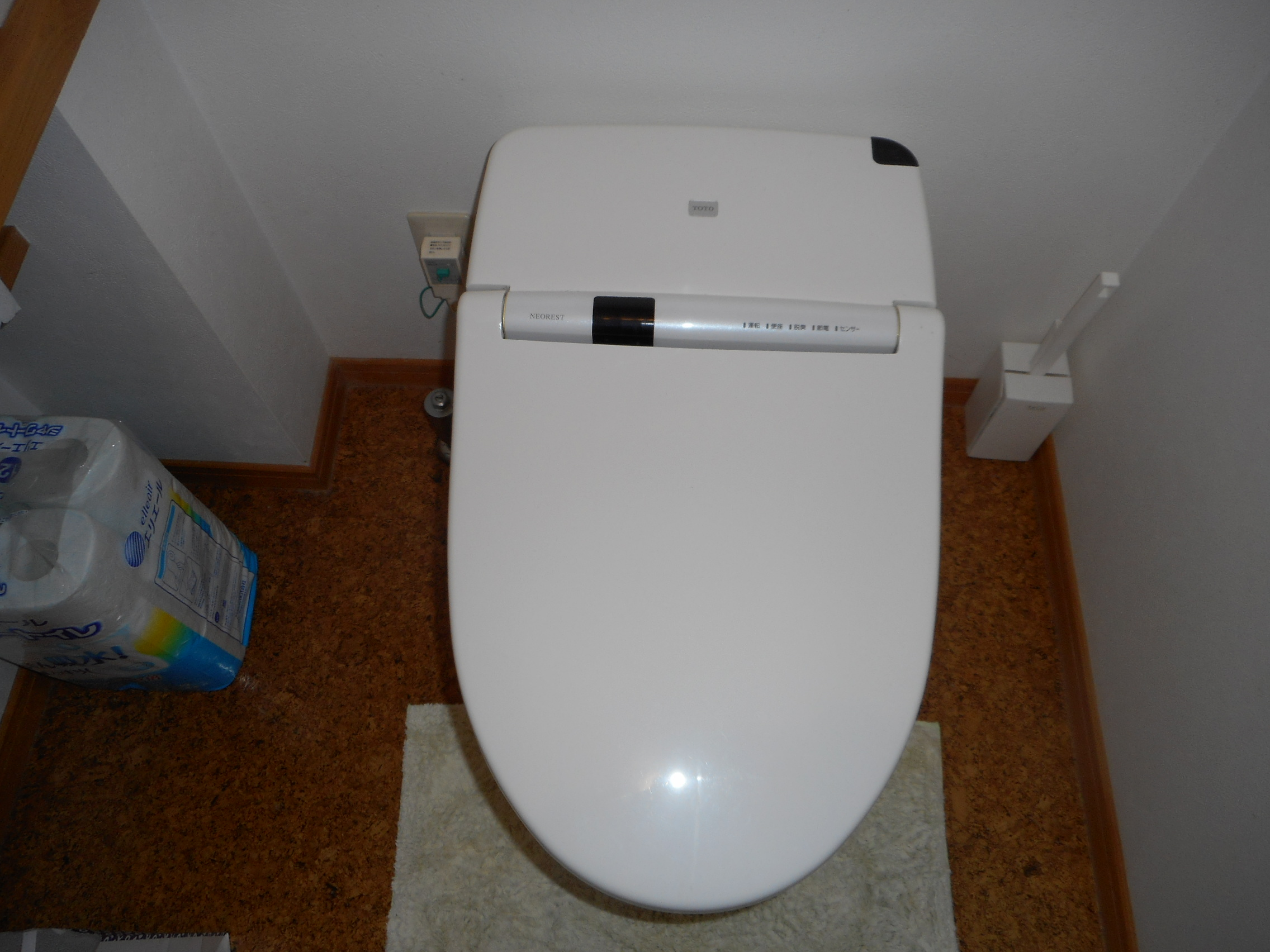 新潟市西区トイレ交換工事・ビフォー