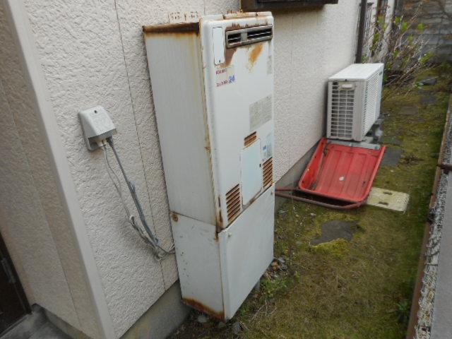 新潟市西区給湯器交換・ビフォー