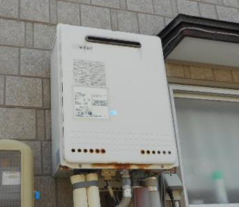 新潟市中央区給湯器交換・ビフォー