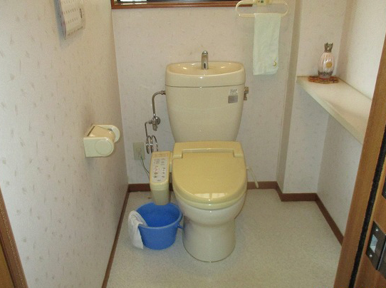 新潟市東区トイレ改修工事・ビフォー