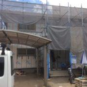 新潟市南区で工事させていただいている、外壁張り替えの様子です。
