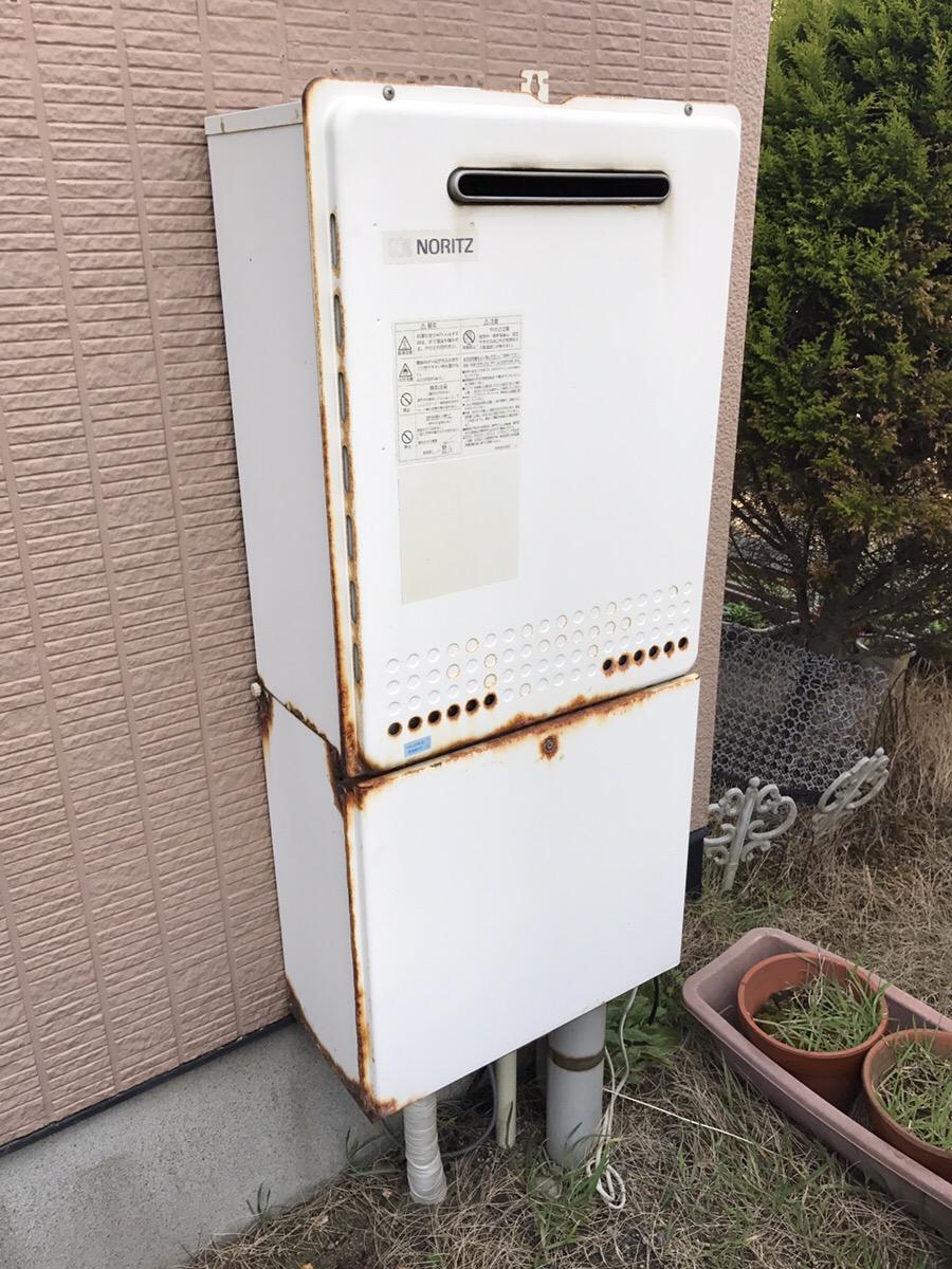 新潟市西区 給湯器交換・ビフォー