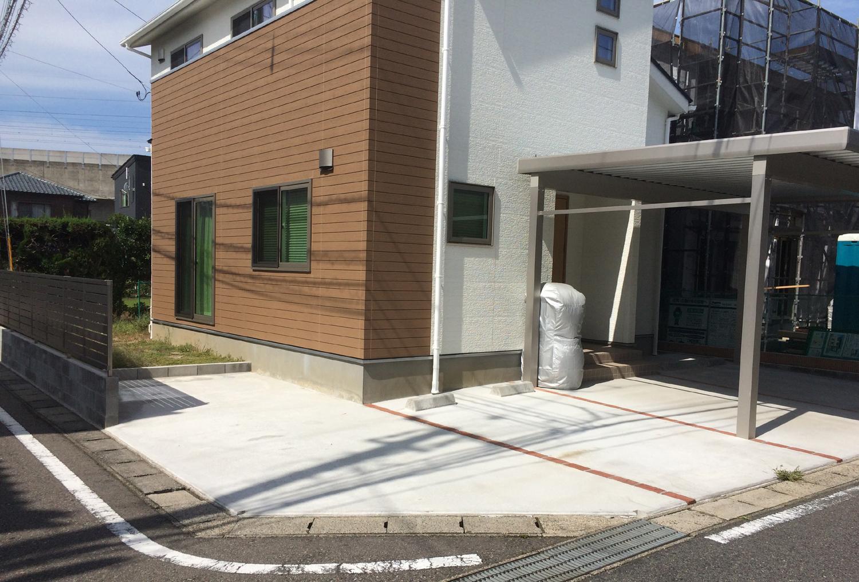 新築住宅にフェンスとカーポートを新設