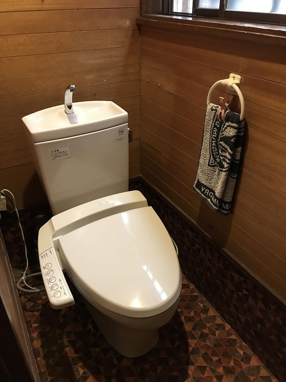トイレ交換工事前
