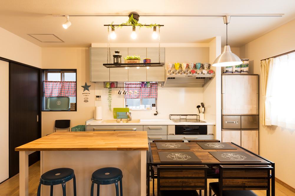 キッチンを2階へ移動、日当たりの良いLDKへリノベーション