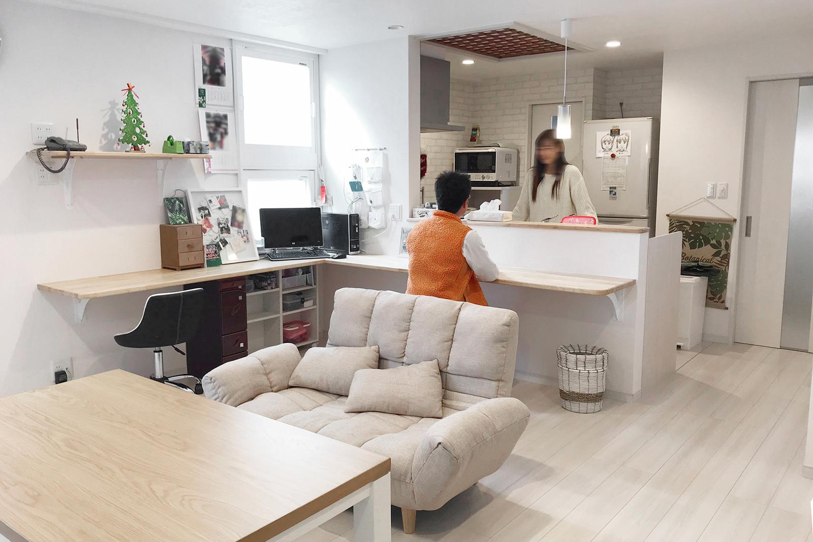 中古アパート2軒分を1世帯用に繋げ、広い4LDKの新しい空間となりました。