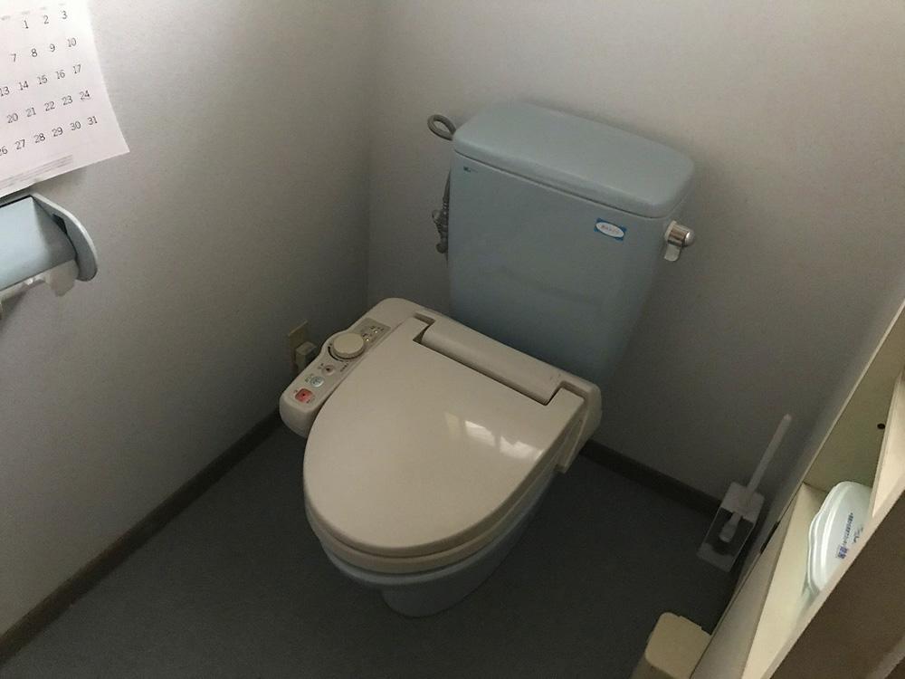 トイレ改修工事:ビフォー